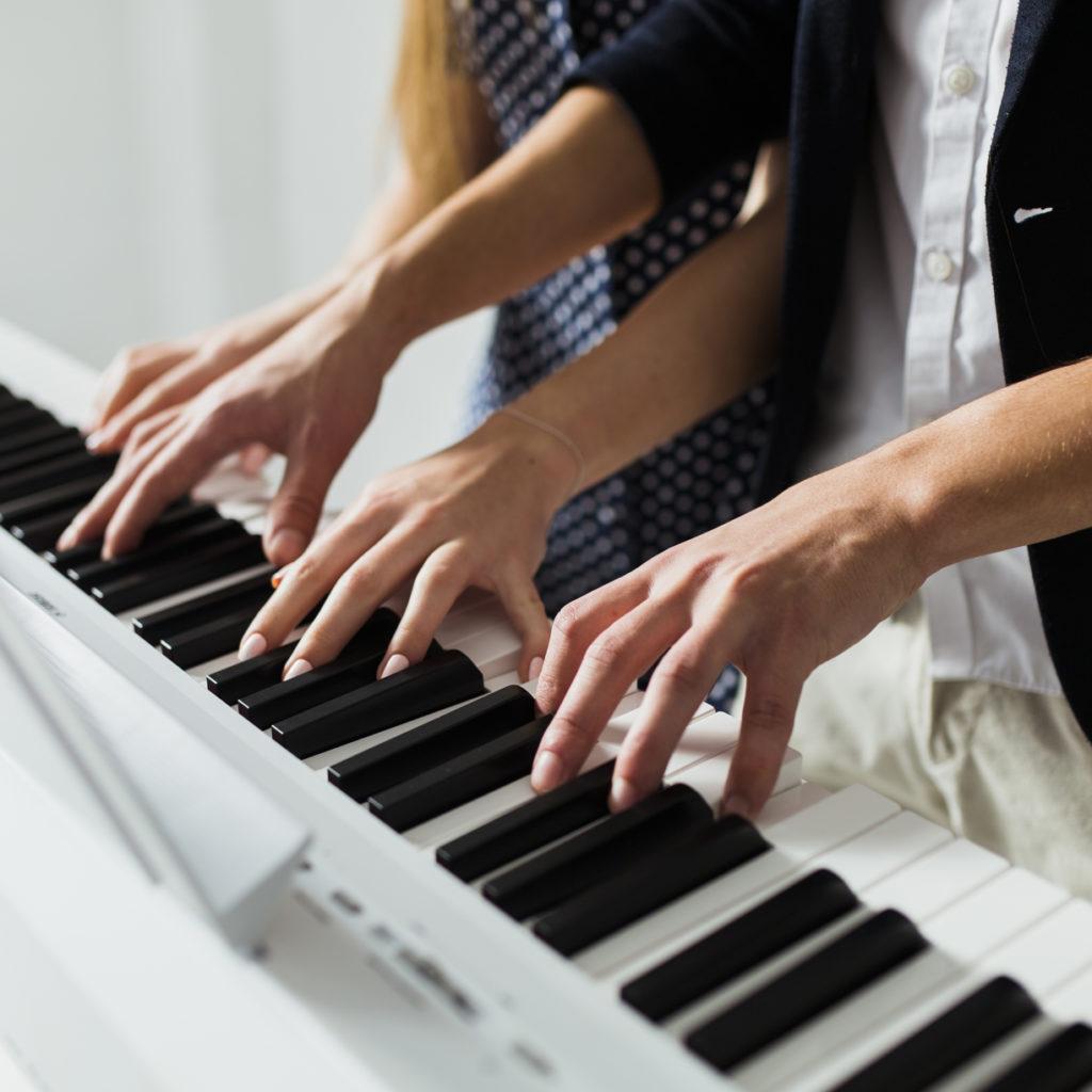 Cours de piano à domicile ou chez moi